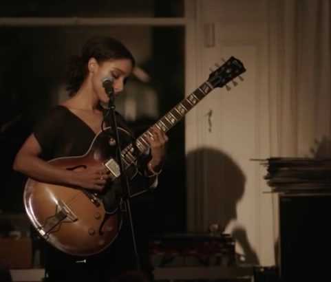 "Millennium Stereo: Lianne La Havas ""Green & Gold"" Live at Sofar London"